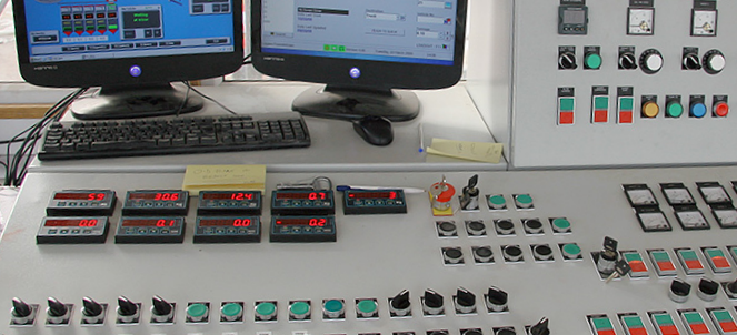 INT4 panel meters in batching control panel